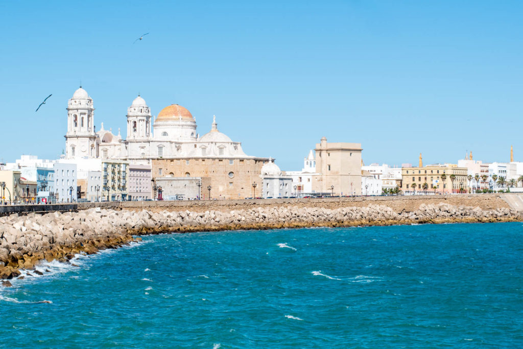 Photo of the Cadiz Cathedral and the coast